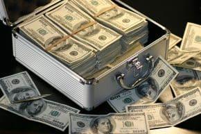 מזוודה עם כסף